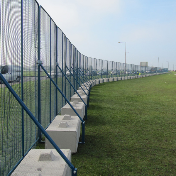 POLMIL® BASE Level On-Ground Security Fence